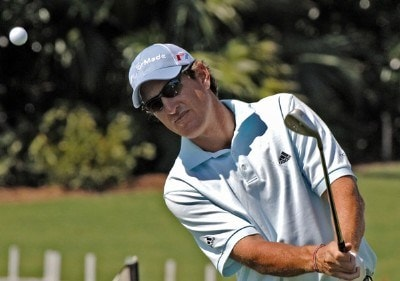 Greg Owen chips during practice  at the 2006 Honda Classic March 7 at the Country Club at Mirasol in Palm Beach Gardens, Florida.Photo by Al Messerschmidt/WireImage.com