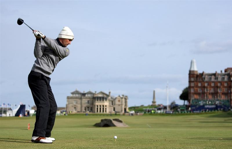 ST ANDREWS, SCOTLAND - OCTOBER 01:  Markus Brier of Austria tees off on the 18th hole during the first round of The Alfred Dunhill Links Championship at The Old Course on October 1, 2009 in St. Andrews, Scotland.  (Photo by Andrew Redington/Getty Images)
