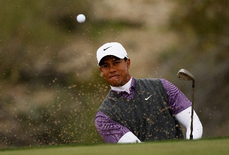 MARANA, AZ - FEBRUARY 23:  Tiger Woods hits from a bunker on the seventh hole during the quarterfinal matches of the WGC-Accenture Match Play Championship at The Gallery at Dove Mountain on February 23, 2008 in Marana, Arizona.  (Photo by Travis Lindquist/Getty Images)