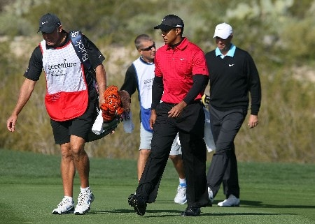 MARANA, AZ - FEBRUARY 24:  Tiger Woods and Stewart Cink walk with their caddies during the Championship match of the WGC-Accenture Match Play Championship at The Gallery at Dove Mountain on February 24, 2008 in Marana, Arizona.  (Photo by Scott Halleran/Getty Images)