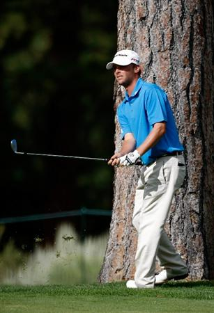 RENO, NV - AUGUST 06:  Spencer Levin watches his second shot on the 4th hole during the first round of the Legends Reno-Tahoe Open on August 6, 2009 at Montreux Golf and Country Club in Reno, Nevada.  (Photo by Jonathan Ferrey/Getty Images)