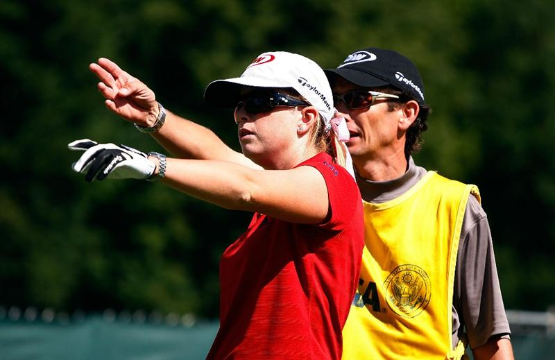 BETHLEHEM, PA - JULY 08:  Paula Creamer chats with her caddie Colin Cann during a practice round prior to the start of thw 2008 U.S. Women's Open at the Saucon Valley Country Club on July 8, 2009 in Bethlehem, Pennsylvania.  (Photo by Scott Halleran/Getty Images)