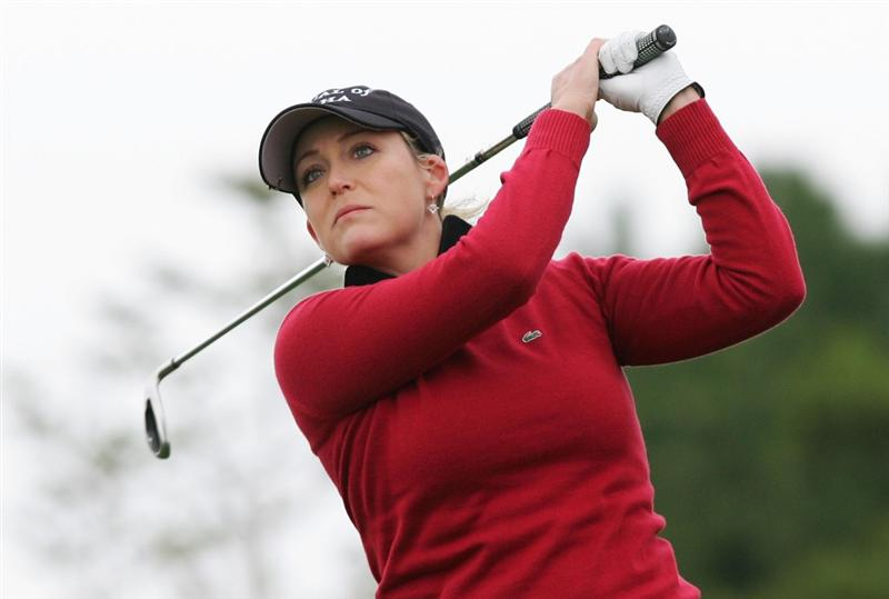 INCHEON, SOUTH KOREA - NOVEMBER 01:  Cristie Kerr of United States hits a teeshot on the the 3th hole during final round of Hana Bank Kolon Championship at Sky 72 Golf Club on November 1, 2009 in Incheon, South Korea.  (Photo by Chung Sung-Jun/Getty Images)