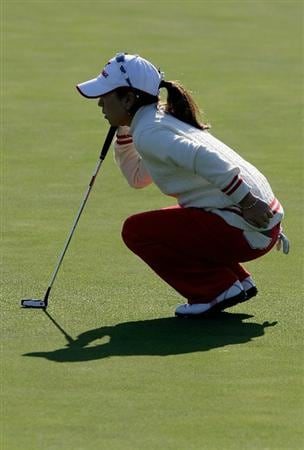INCHEON, SOUTH KOREA - OCTOBER 29:  Mika Miyazato of Japan on the first hole during the 2010 LPGA Hana Bank Championship at Sky 72 golf club on October 29, 2010 in Incheon, South Korea.  (Photo by Chung Sung-Jun/Getty Images)