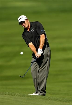 SAN FRANCISCO - NOVEMBER 06:  Fred Funk chips on the 5th hole during round 3 of the Charles Schwab Cup Championship at Harding Park Golf Course on November 6, 2010 in San Francisco, California.  (Photo by Ezra Shaw/Getty Images)