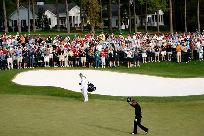 AUGUSTA, GA - APRIL 10:  Gary Player of South Africa acknowledges the crowd after his final Masters Tournament at the 2009 Masters Tournament at Augusta National Golf Club on April 10, 2009 in Augusta, Georgia.  (Photo by Jamie Squire/Getty Images)