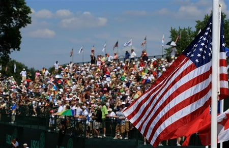 EDINA, MN - JUNE 27:  A general view of the fans on the 18th green as seen during the second round of the 2008 U.S. Women's Open at Interlachen Country Club on June 27, 2008 in Edina, Minnesota.  (Photo by Scott Halleran/Getty Images)