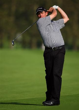 SUTTON COLDFIELD, UNITED KINGDOM - SEPTEMBER 26:  Anders Hansen of Denmark hits his third shot on the 16th hole during the second round of the Quinn Insurance British Masters on the Brabazon Course at The Belfry on September 26, 2008 in Sutton Coldfield, England.  (Photo by Andrew Redington/Getty Images)
