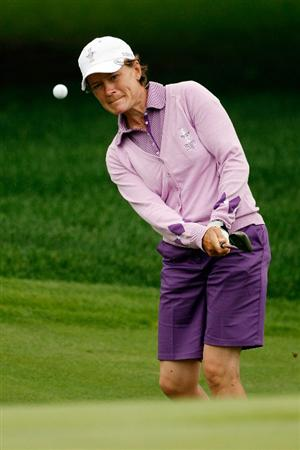 SUGAR GROVE, IL - AUGUST 20:  Catriona Matthew of the European Team tees off during a practice round prior to the start of the 2009 Solheim Cup at Rich Harvest Farms on August 20, 2009 in Sugar Grove, Illinois.  (Photo by Chris Graythen/Getty Images)