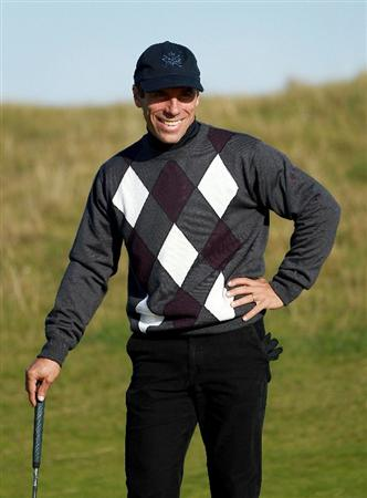 KINGSBARNS, SCOTLAND - OCTOBER 07:  Ex footballer Gianfranco Zola on the sixth green during the first round of The Alfred Dunhill Links Championship at Kingsbarns Golf Links on October 7, 2010 in Kingsbarns, Scotland.  (Photo by Andrew Redington/Getty Images)