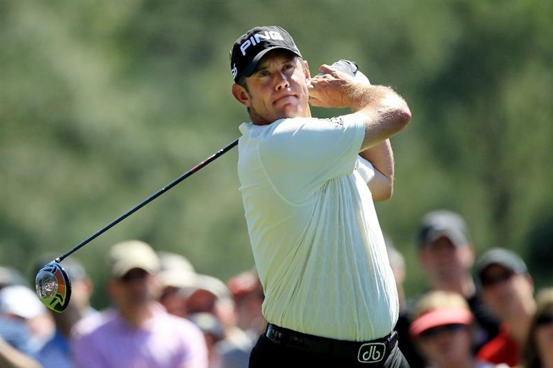 AUGUSTA, GA - APRIL 07:  Lee Westwood of England hits his tee shot on the 18th hole during the first round of the 2011 Masters Tournament at Augusta National Golf Club on April 7, 2011 in Augusta, Georgia.  (Photo by David Cannon/Getty Images)