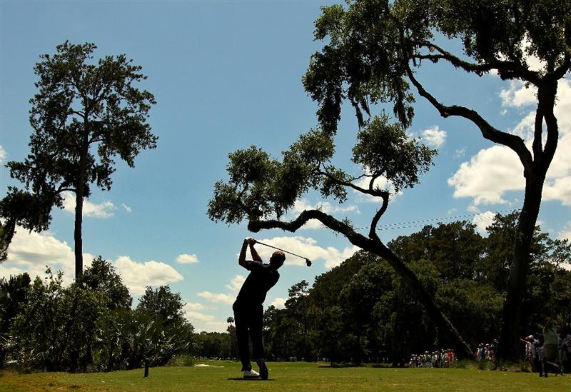 PONTE VEDRA BEACH, FL - MAY 15:  Luke Donald of England hits his tee shot on the sixth hole during the final round of THE PLAYERS Championship held at THE PLAYERS Stadium course at TPC Sawgrass on May 15, 2011 in Ponte Vedra Beach, Florida.  (Photo by Mike Ehrmann/Getty Images)