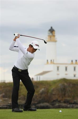 TURNBERRY, SCOTLAND - JULY 16:  Wen-Chong Liang of China hits his tee shot on the ninth hole during round one of the 138th Open Championship on the Ailsa Course, Turnberry Golf Club on July 16, 2009 in Turnberry, Scotland.  (Photo by Andrew Redington/Getty Images)