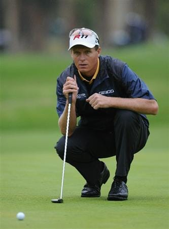 PACIFIC PALISADES, CA - FEBRUARY 18:  John Senden of Australia lines up his putt on the 18th hole during the second round of the Northern Trust Open at Riviera Country Club on February 18, 2011 in Pacific Palisades, California.  (Photo by Stuart Franklin/Getty Images)