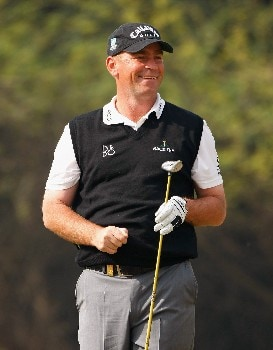 NEW DELHI, INDIA - FEBRUARY 07:  Thomas Bjorn of Denmark reacts to his approach shot on the 18th hole during the first round of the Emaar-MGF Indian Masters at the Delhi Golf Club on February 7, 2008 in Delhi, India.  (Photo by Stuart Franklin/Getty Images)