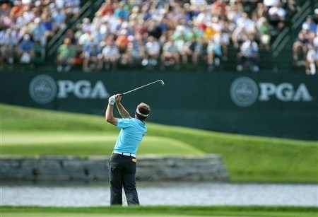 BLOOMFIELD HILLS, MI - AUGUST 07: Brian Gay watches his shot to the 16th green during round one of the 90th PGA Championship at Oakland Hills Country Club on August 7, 2008 in Bloomfield Township, Michigan.  (Photo by David Cannon/Getty Images)
