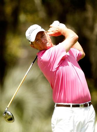 HILTON HEAD ISLAND, SC - APRIL 18:  Davis Love III watches his tee shot on the 2nd hole during the third round of the Verizon Heritage at Harbour Town Golf Links on April 18, 2009 in Hilton Head Island, South Carolina.  (Photo by Streeter Lecka/Getty Images)