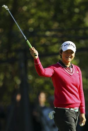 MELBOURNE, AUSTRALIA - FEBRUARY 06:  Yani Tseng of Taiwan celebrates after winning the Women's Australian Open at The Commonwealth Golf Club on February 6, 2011 in Melbourne, Australia.  (Photo by Lucas Dawson/Getty Images)