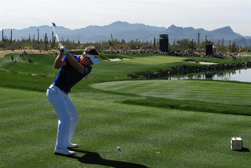 MARANA, AZ - FEBRUARY 27:  Luke Donald of England plays his tee shot on the third hole during the third round of Accenture Match Play Championships at Ritz - Carlton Golf Club at Dove Mountain on February 27, 2009 in Marana, Arizona.  (Photo by Stuart Franklin/Getty Images)