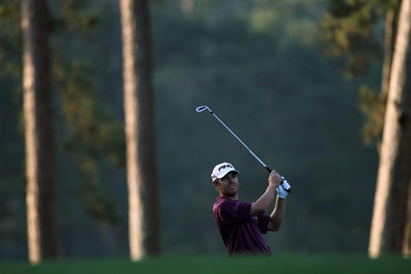 AUGUSTA, GA - APRIL 08:  Louis Oosthuizen of South Africa hits his approach shot on the first hole during the first round of the 2010 Masters Tournament at Augusta National Golf Club on April 8, 2010 in Augusta, Georgia.  (Photo by Jamie Squire/Getty Images)