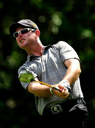 PALM HARBOR, FL - MARCH 19:  Rory Sabbatini of South Africa hits on the 5th hole during the first round of the Transitions Championship at the Innisbrook Resort and Golf Club on March 19, 2009 in Palm Harbor, Florida.  (Photo by Sam Greenwood/Getty Images)