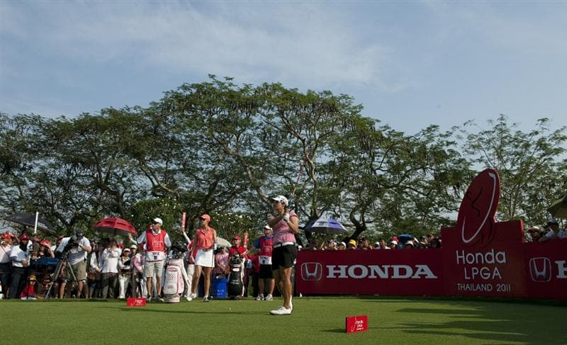 CHON BURI, THAILAND - FEBRUARY 20:  Yani Tseng of Taiwan tees off on the 18th hole during day four of the LPGA Thailand at Siam Country Club on February 20, 2011 in Chon Buri, Thailand.  (Photo by Victor Fraile/Getty Images)
