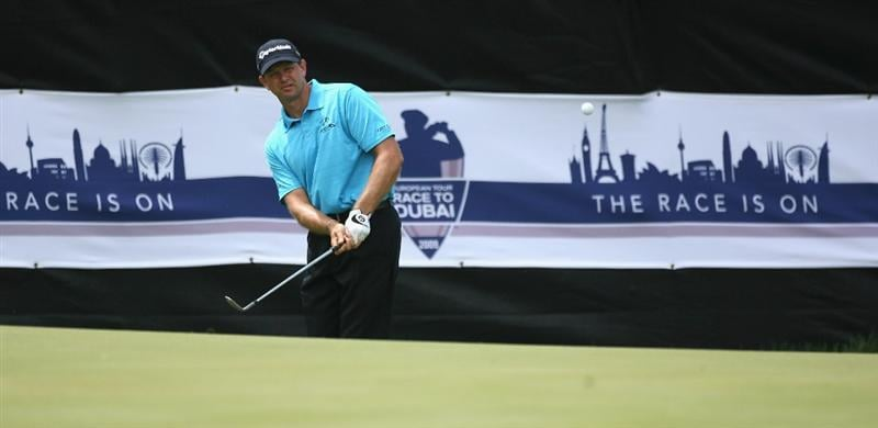 PAARL, SOUTH AFRICA - DECEMBER 20:  Retief Goosen of South Africa chips onto the 12th green during the third round of the South African Open Championship at Pearl Valley Golf & Country Club on December 20, 2008 in Paarl, South Africa.  (Photo by Warren Little/Getty Images)