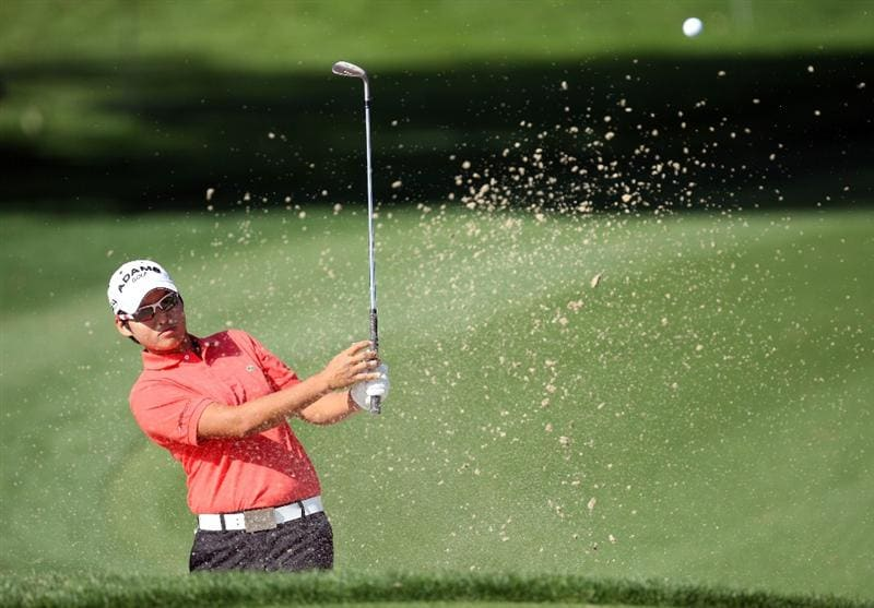 RANCHO MIRAGE, CA - APRIL 02:  Yani Tseng of Taiwan plays her second shot at the 12th hole during the first round of the 2009 Kraft Nabisco Championship, at the Mission Hills Country Club on April 2, 2009 in Rancho Mirage, California. (Photo by David Cannon/Getty Images)