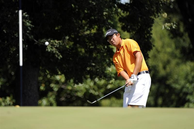 TULSA, OK - AUGUST 30:  Byeong-Hun An hits onto the green on the 1st hole during the Finals of the U.S. Amateur Golf Championship on August 30, 2009 at Southern Hills Country Club in Tulsa, Oklahoma.  (Photo by G. Newman Lowrance/Getty Images)