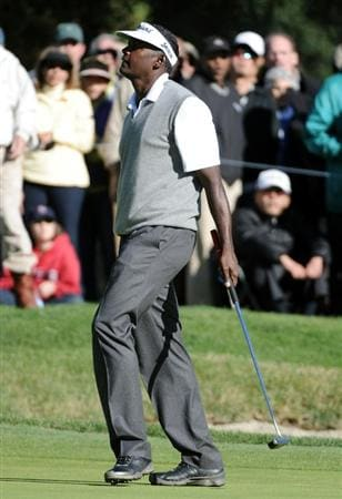 PACIFIC PALISADES, CA - FEBRUARY 20:  Vijay Singh of Fiji reacts to his missed putt for birdie on the 17th hole during the fourth round of the Northern Trust Open at the Riviera Country Club on February 20, 2011 in Pacific Palisades, California.  (Photo by Harry How/Getty Images)