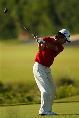 RIVIERA MAYA, MEXICO - FEBRUARY 27:  Kevin Na tees off on the 8th hole during the second round of the Mayakoba Golf Classic on February 27, 2009 at El Camaleon Golf Club in Riviera Maya, Mexico.  Na finished the day with a 62 for a total of 10 under par to share the lead with Mark Wilson.  (Photo by Chris Graythen/Getty Images)