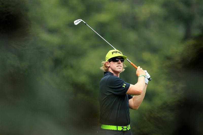 AUGUSTA, GA - APRIL 08:  Hunter Mahan hits his second shot on the fifth hole during the second round of the 2011 Masters Tournament at Augusta National Golf Club on April 8, 2011 in Augusta, Georgia.  (Photo by David Cannon/Getty Images)