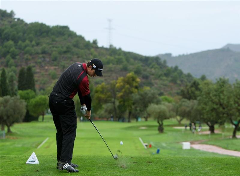CASTELLO, SPAIN - OCTOBER 24:  Justin Rose of England plays his tee shot on the second hole during the second round of the Castello Masters Costa Azahar at the Club de Campo del Mediterraneo on October 24, 2008 in Castello, Spain.  (Photo by Stuart Franklin/Getty Images)