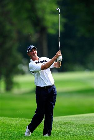 AKRON, OH - AUGUST 07:  Jerry Kelly plays a shot on the ninth hole during the second round of the WGC-Bridgestone Invitational on the South Course at Firestone Country Club on August 7, 2009 in Akron, Ohio.  (Photo by Sam Greenwood/Getty Images)