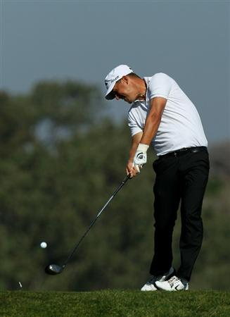LA JOLLA, CA - JANUARY 29:  Fredrik Jacobson of Sweden hits his tee shot on the fifth hole during round three of the Farmers Insurance Open at Torrey Pines South Course on January 29, 2011 in La Jolla, California.  (Photo by Stephen Dunn/Getty Images)