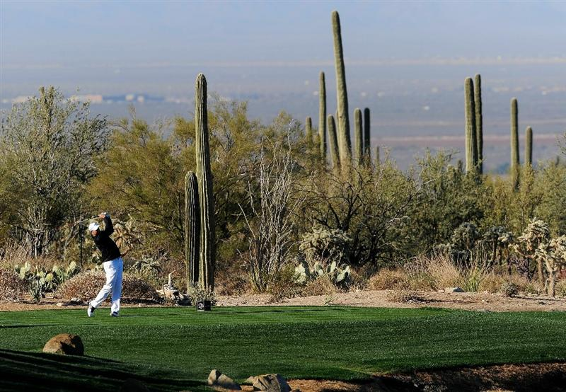MARANA, AZ - FEBRUARY 23:  Stewart Cink hits a shot on the fourth hole during the first round of the Accenture Match Play Championship at the Ritz-Carlton Golf Club on February 23, 2011 in Marana, Arizona.  (Photo by Stuart Franklin/Getty Images)