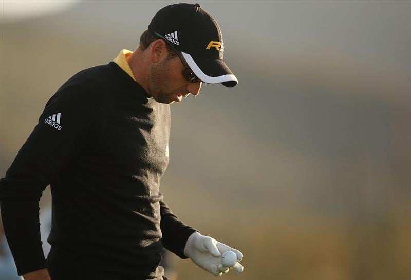 MARANA, AZ - FEBRUARY 20:  Sergio Garcia of Spain tees off on the eighth tee box during round four of the Accenture Match Play Championship at the Ritz-Carlton Golf Club on February 20, 2010 in Marana, Arizona.  (Photo by Darren Carroll/Getty Images)