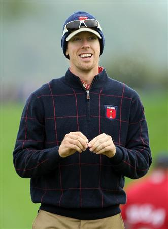 NEWPORT, WALES - SEPTEMBER 30:  Hunter Mahan of the USA smiles during a practice round prior to the 2010 Ryder Cup at the Celtic Manor Resort on September 30, 2010 in Newport, Wales.  (Photo by Andy Lyons/Getty Images)