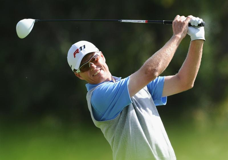PACIFIC PALISADES, CA - FEBRUARY 19:  John Senden of Australia plays his tee shot on the second hole during the third round of the Northern Trust Open at Riviera Country Club on February 19, 2011 in Pacific Palisades, California.  (Photo by Stuart Franklin/Getty Images)