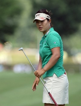 HAVRE DE GRACE, MD - JUNE 09:  Meena Lee of South Korea watches her birdie attempt at the par 4, 1st hole during the third round of the 2007 McDonald's LPGA Championship held at Bulle Rock golf course, on June 9, 2007 in Havre de Grace, Maryland.  (Photo by David Cannon/Getty Images)