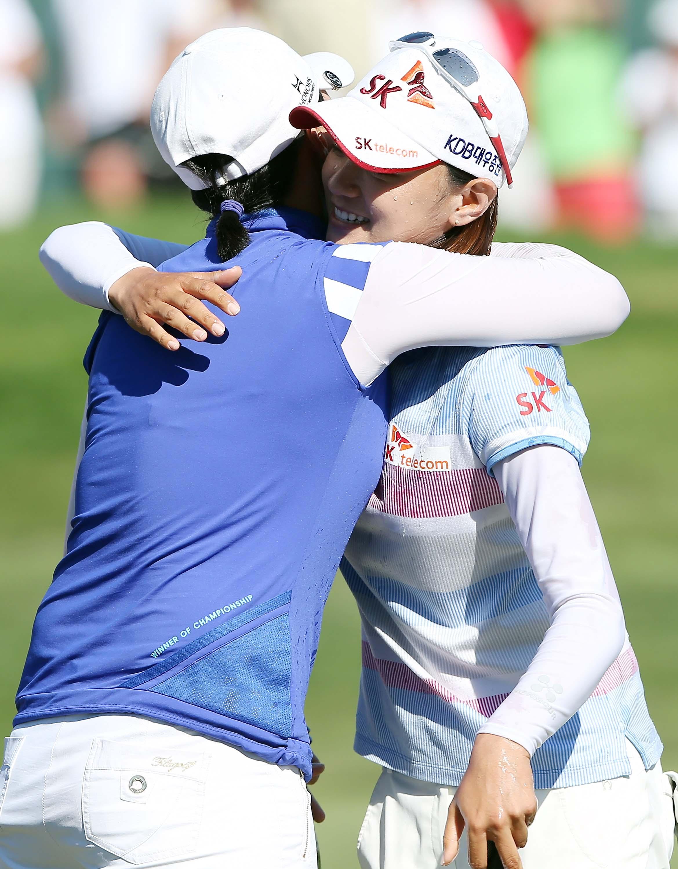 Se Ri Pak and Na Yeon Choi