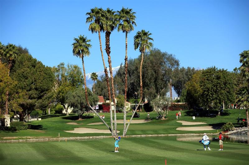 RANCHO MIRAGE, CA - MARCH 31: Catriona Matthew of Scotland plays her second shot at the par 4, 6th hole during the first round of the 2011 Kraft Nabisco Championship on the Dinah Shore Championship Course at the Mission Hills Country Club on March 31, 2011 in Rancho Mirage, California.  (Photo by David Cannon/Getty Images)
