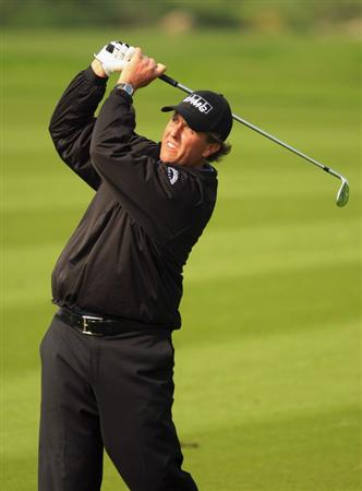 SHANGHAI, CHINA - NOVEMBER 10:  Phil Mickelson of the USA in action during the final round of the HSBC Champions at Sheshan Golf Club on November 10, 2008 in Shanghai, China.  (Photo by Scott Halleran/Getty Images)