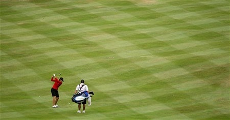 SUNNINGDALE, UNITED KINGDOM - JULY 31:  Juli Inkster of the USA hits her second shot at the 10th hole during the first round of the 2008  Ricoh Women's British Open Championship held on the Old Course at Sunningdale Golf Club, on July 31, 2008 in Sunningdale, England.  (Photo by David Cannon/Getty Images)