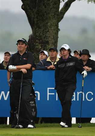 LUSS, UNITED KINGDOM - JULY 12:  Shane Lowry of Ireland waits to tee off with Rory McIlroy (R) of Northern Ireland during the Final Round of The Barclays Scottish Open at Loch Lomond Golf Club on July 12, 2009 in Luss, Scotland. (Photo by Warren Little/Getty Images)