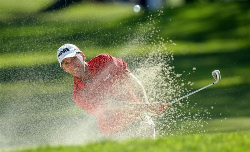 LA JOLLA, CA - JANUARY 29:  Kevin Sutherland hits out of the bunker on the 15th green during Round 3 of the Farmers Insurance Open at Torrey Pines on January 29, 2011 in La Jolla, California. (Photo by Donald Miralle/Getty Images)