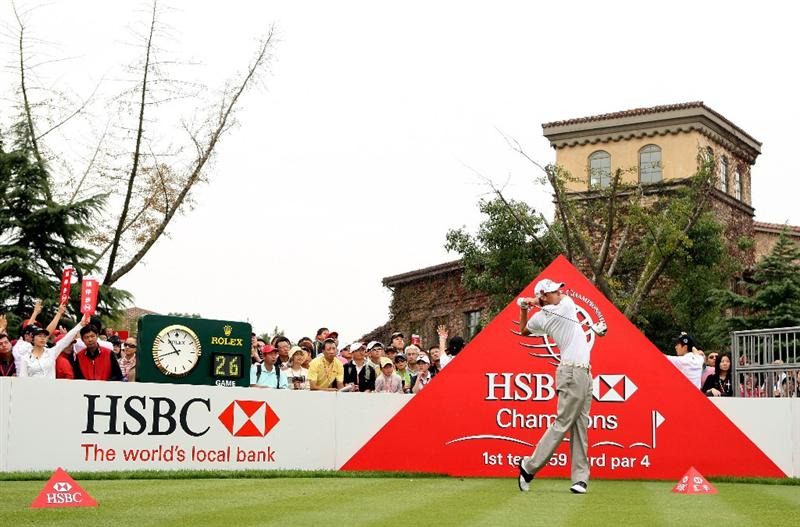 SHANGHAI, CHINA - NOVEMBER 07:  Nick Watney of the USA hits his tee-shot on the first hole during the third round of the WGC-HSBC Champions at Sheshan International Golf Club on November 7, 2009 in Shanghai, China.  (Photo by Andrew Redington/Getty Images)