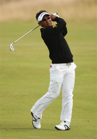 TURNBERRY, SCOTLAND - JULY 18:  Thongchai Jaidee of Thailand hits an approach shot during round three of the 138th Open Championship on the Ailsa Course, Turnberry Golf Club on July 18, 2009 in Turnberry, Scotland.  (Photo by Andrew Redington/Getty Images)