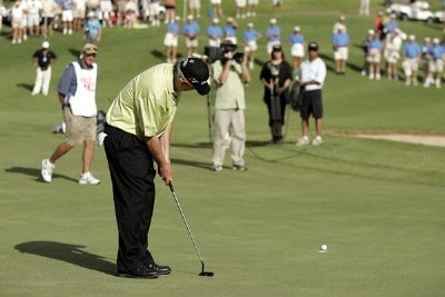 Hale Irwin misses a critical putt on the 18th green during a playoff in the PGA TOUR's Wendy's Championship Skins Game, February 6, 2006 at the Wailea Golf Club in Wailea, Maui, Hawaii.  Irwin's miss allowed Dana Quigley and Raymond Floyd to win the Championship.Photo by Marco Garcia/WireImage.com