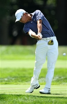 BLOOMFIELD HILLS, MI - AUGUST 09:  Anthony Kim plays his tee shot on the sixth hole during round three of the 90th PGA Championship at Oakland Hills Country Club on August 9, 2008 in Bloomfield Township, Michigan.  (Photo by David Cannon/Getty Images)